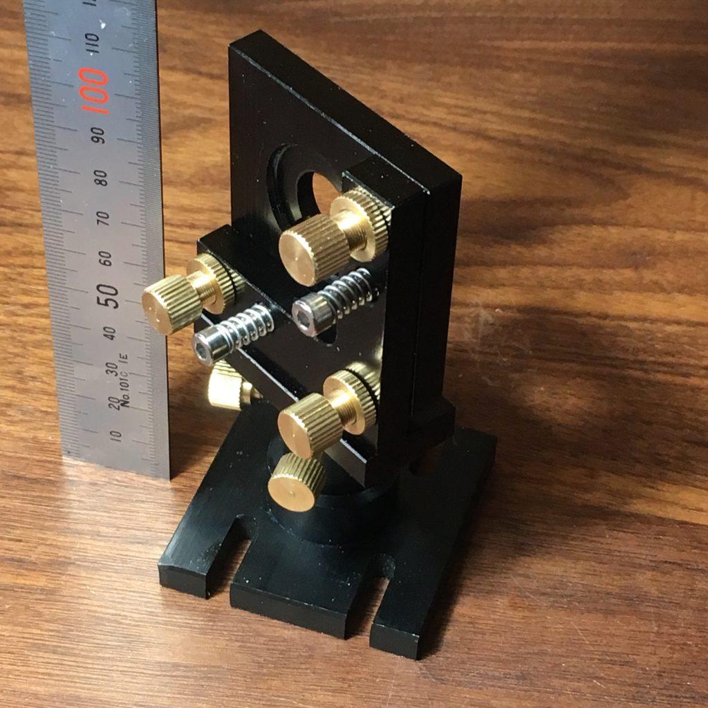 自作レーザーカッター。ミラーマウントの加工。高さを低くしました。